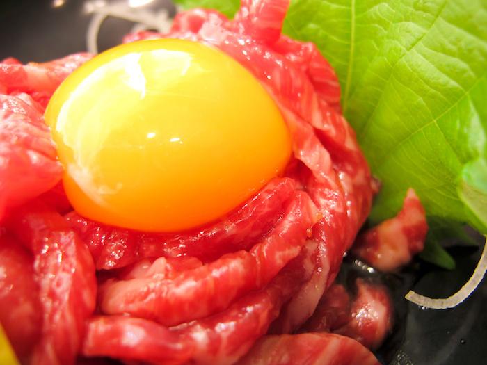 牛肉ユッケ